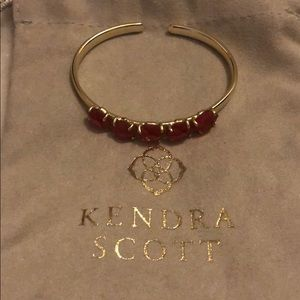 Kendra Scott bracelet in Berry Illusion with gold